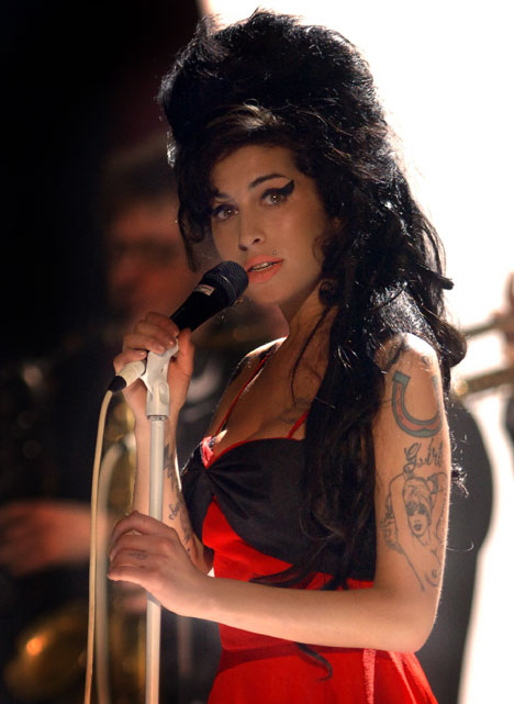 WinehouseSingREX_468x641